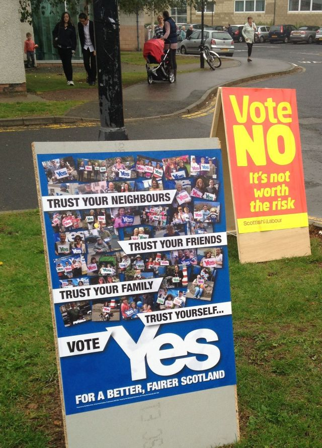 YES and NO Campaign Boards, North Berwick Polling Station