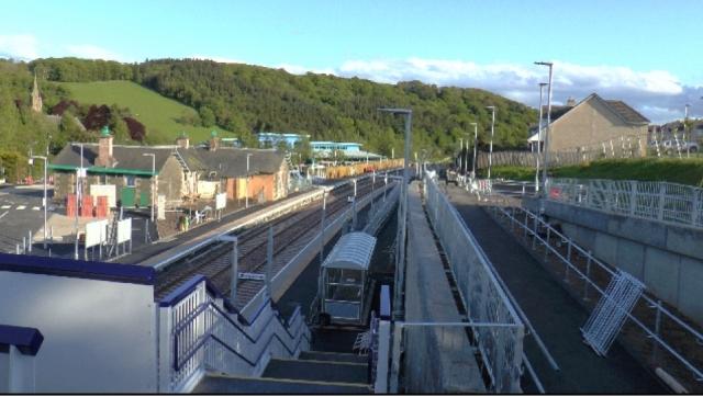 Stow Station between Gorebridge and Galasheils